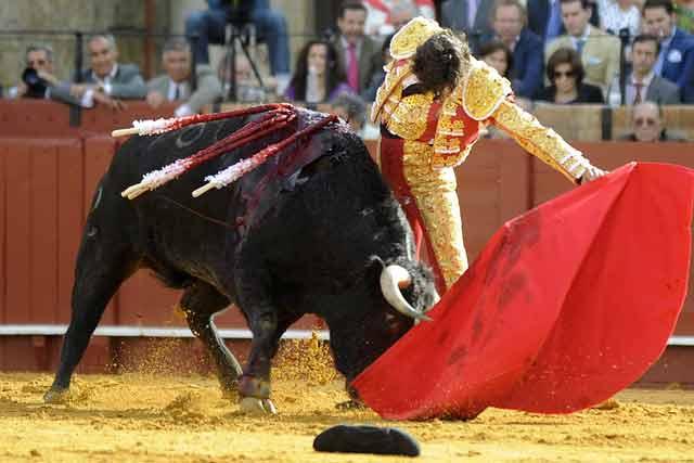 Curro Diaz abrió plaza con el único negro de la tarde