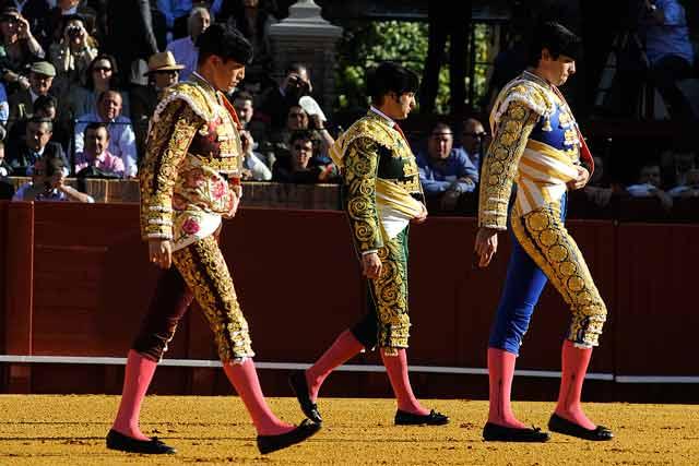 Morante, Manzanares y Perera, primer paseíllo.
