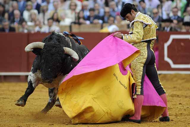No era la  tarde de Rivera Ordoñez, este tuvo que ser devuelto