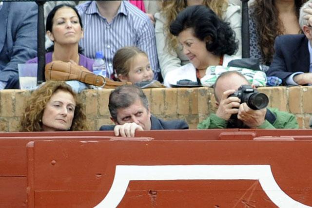 ¿Dónde publicará las fotografías del amplio reportaje? (FOTO: Sevilla Taurina)