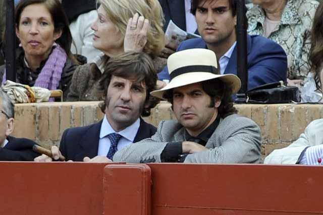 Juan José Padilla y Morante, amigos de Antonio Barrera, quisieron estar junto a él. (FOTO: Matito)