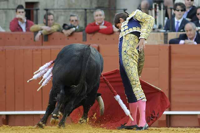 Miguel Tendero con el buen toro tercero.