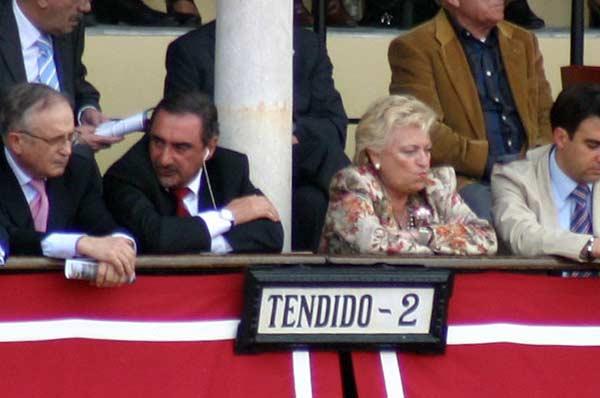 Carlos Herrera y Rosamar Prieto-Castro, delegada de Fiestas del Ayuntamiento. (FOTO: Javier Martínez)