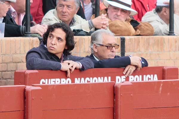 ¿Finito de Triana de ha hecho Policía? (FOTO: Paco Díaz / toroimagen.com)
