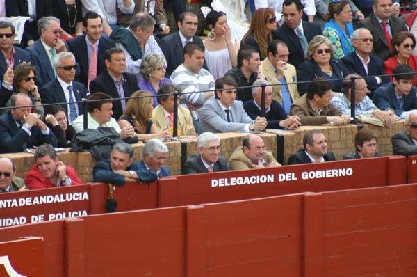 José Antonio Gómez Periñán, delegado de la Junta en Cádiz, sustituyó la ausencia de la delgada sevillana, Carmen Tovar. (FOTO: Javier Martínez)