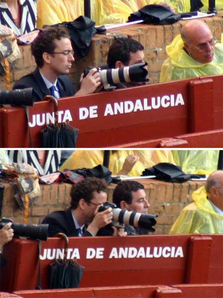 Un invitado de la delegada haciendo fotos con una cámara profesional desde el burladero oficial de la Junta; profesionales de la fotografía taurina, en cambio, han sido excluidos del callejón. (FOTO: Javier Martínez)