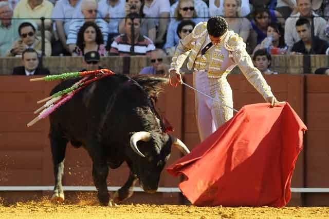 Martín Núñez en el primero. (FOTO: Sevilla Taurina)