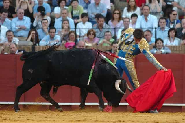 Un largo natural de Manuel Fernández al primero de su lote. (FOTO: Matito)