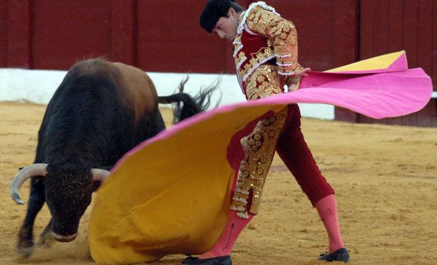 Revolera de remate de Ángel Luis Carmona. (FOTO: Eduardo Porcuna)
