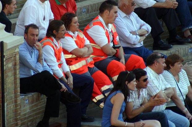 Los chicos voluntarios de la Cruz Roja.
