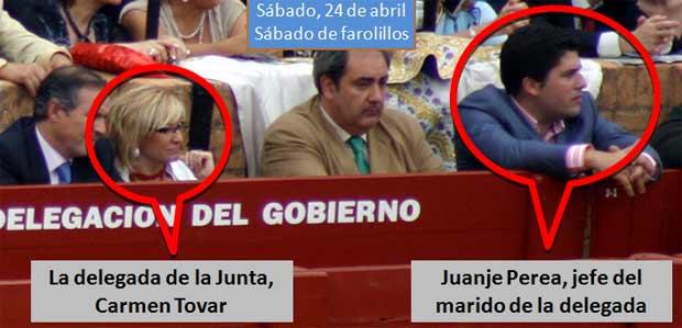 Juanje Perea, jefe del marido de la delegada Carme Tovar, en el burladero oficial de la Junta, muy cerca de la propia Carmen Tovar. (FOTO: Javier Martínez)