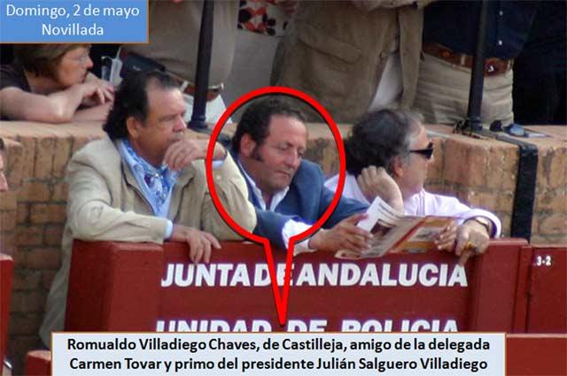 El pasado domingo, en la novillada del abono, de nuevo en el burladero de la Junta de Andalucía. (FOTO: Javier Martínez)