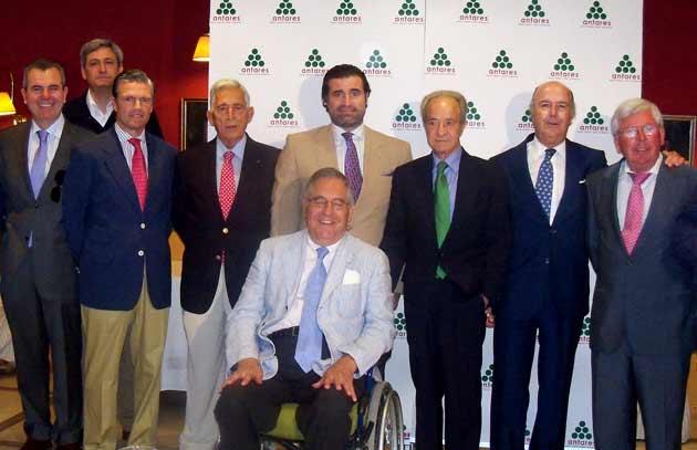 Paco Camino, en el homenaje, junto a Espartaco.