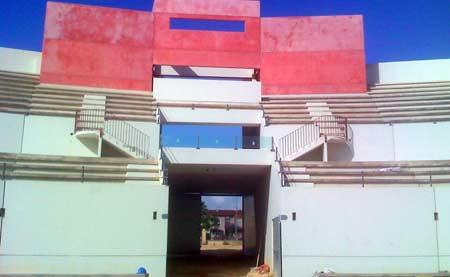 Puerta grande desde el interior.