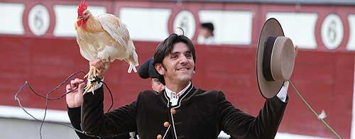 Diego Ventura, en la vuelta al ruedo tras cortar una oreja a su primero. (FOTO: Iván de Andrés / burladero.com)