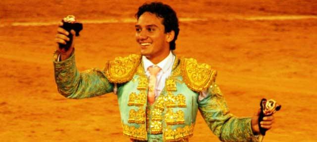 Oliva Soto, con las dos orejas del sexto en El Puerto. (FOTO: Álvaro Pastor)