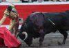 Daniel Luque en un derechazo esta tarde en Bilbao. (FOTO: burladero.com)