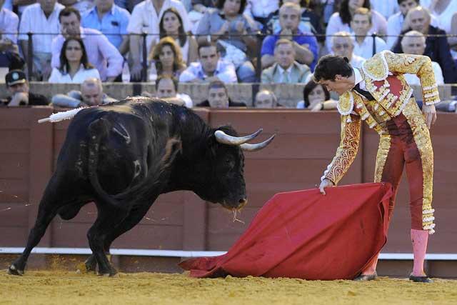 El impresentable toro lidiado en sexto lugar. (FOTO: Sevilla Taurina)