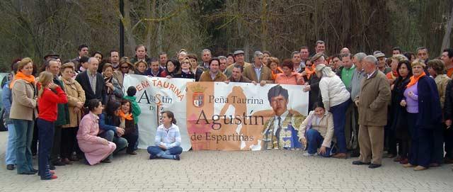 Miembros de la Peña Taurina 'Agustín de Espartinas'.
