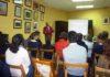 El cirujano Ramón Vila durante su conferencia en Aula Taurina.