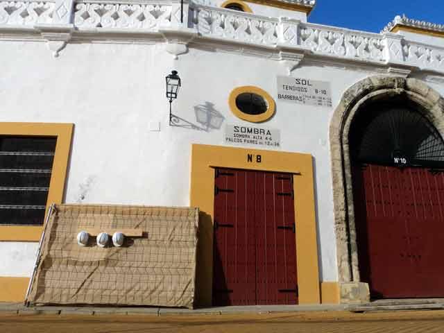 Nuevas obras en la Maestranza. (FOTO: Javier Martínez)