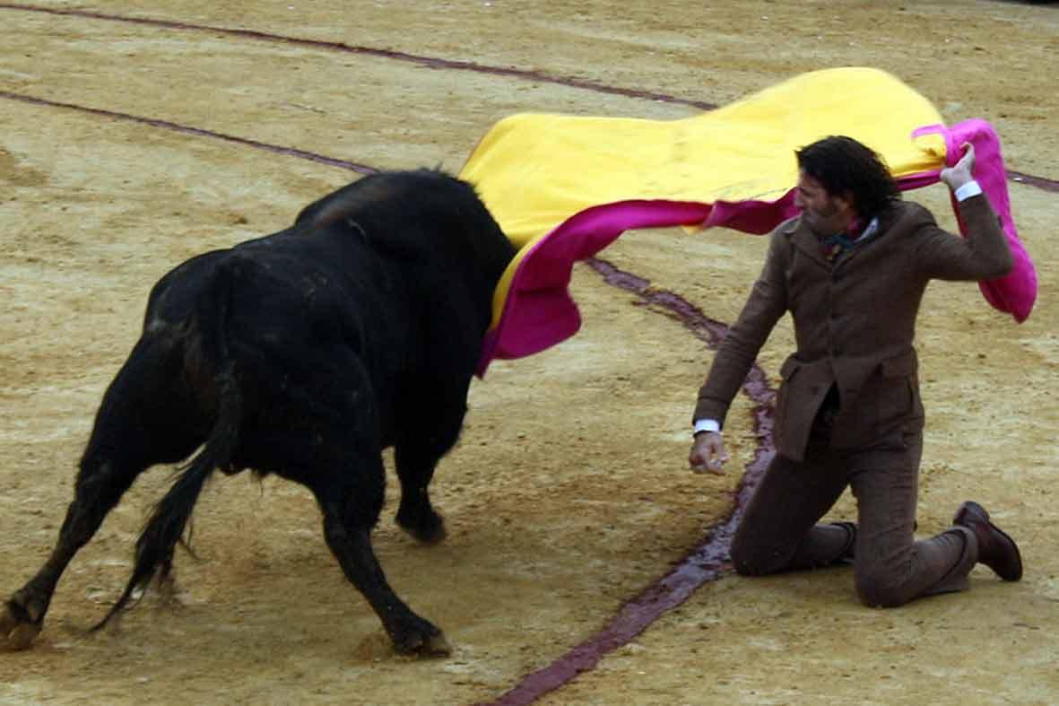 Larga cambiada de Juan José Padilla.