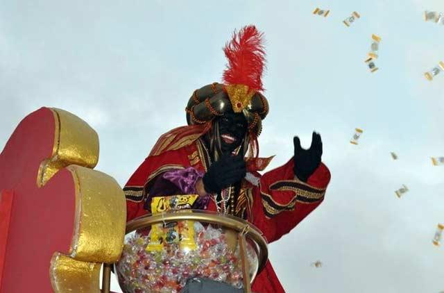 Oliva Soto, como rey Baltasar en la Cabalgata de Reyes Magos de Camas.
