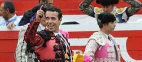 Víctor Puerto, con la oreja. (FOTO: Olga Holguín)