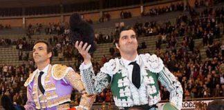 Leonardo Hernández, El Cordobés y Conde, a hombros en El Viso. (FOTO: Eduardo Duarte)