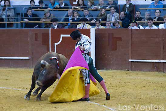 Lance a la verónica de Morante en Vistalegre. (FOTO:Juan Pelegrín/Las Ventas.com)