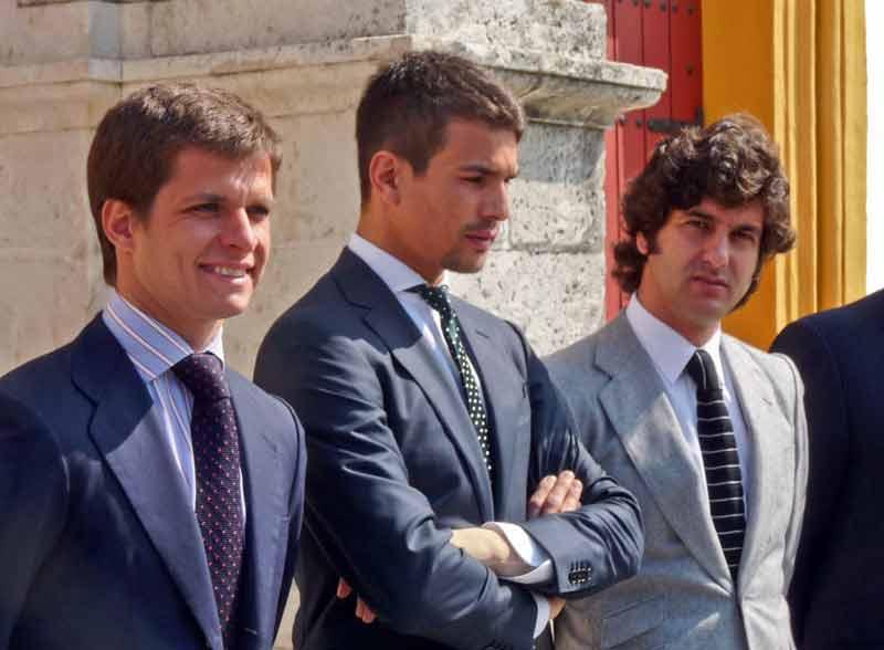 Los tres tenores taurinos de la aficion sevillana: los galácticos Juli, Manzanares y Morante. (FOTO: Paco Díaz/toroimagen.com)