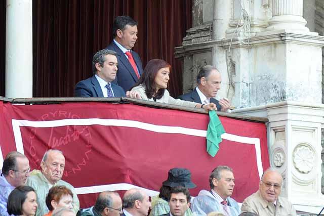 Primer pañuelo verde de la Feria: el tercero volvió a los corrales. (FOTO: Matito)