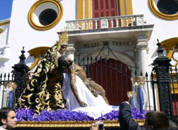 El Baratillo frente a la Puerta del Príncipe.