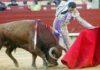 El Cid torea con la izquierda esta tarde en Castellón. (FOTO: Prime Time Comunicacion?
