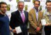 Miembros de Tauroutrera junto a Juan y José Bernal.