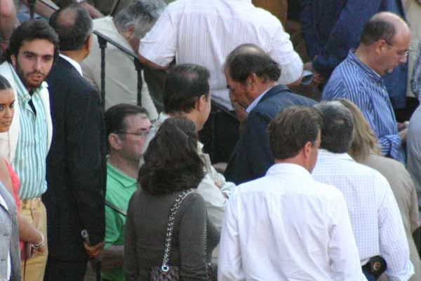 Antonio Miura, entre los que preferían el fútbol a la aburrida mansada. (FOTO: Javier Martínez)
