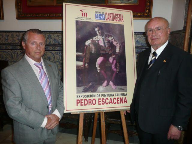 A la izquierda, Francisco Vera, presidente del Foro Taurino de Cartagena, junto a Pedro Escacena.