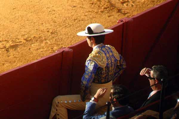Un picador atento al ruedo y al desarrollo del espectáculo. (FOTO: Javier Martínez)