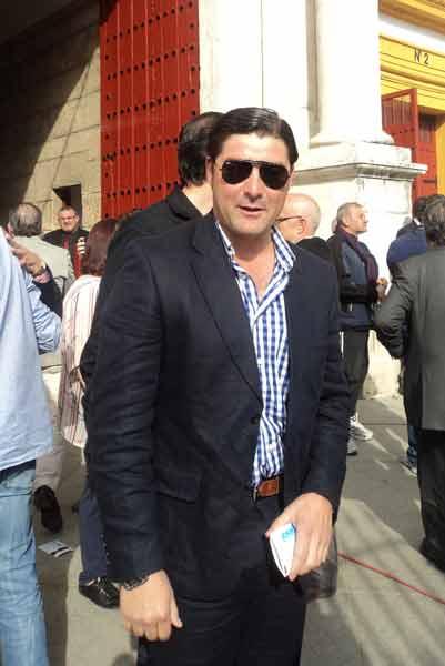 El diestro utrerano Miguel Ángel García 'Rondino', a ver a Vilches. (FOTO: Javier Martínez)