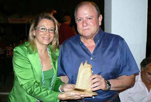 Acto en Castilleja hace varios años, cuando Carmen Tovar era alcaldesa. (FOTO: Ayto. Castilleja)