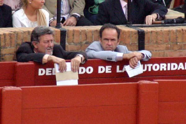 Algo así como el 'banquillo' de los presidentes: ¿un titular y una suplente? (FOTO; Javier Martínez)
