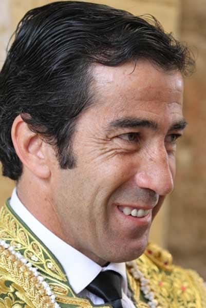 Juan Mora.