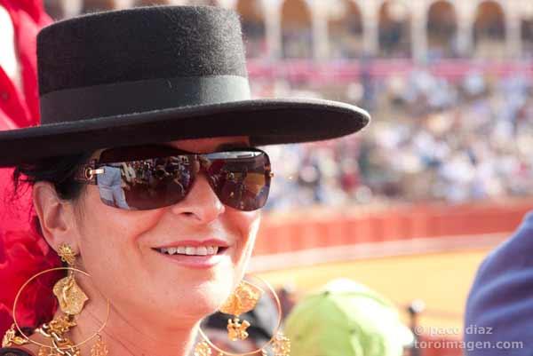 La Maestranza, un auténtico crisol durante la Feria de Abril. (FOTO: Paco Díaz / toroimagen.com)