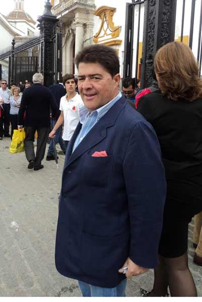 El Mani llegó para ver a su amigo Perera. (FOTO: Javier martínez)