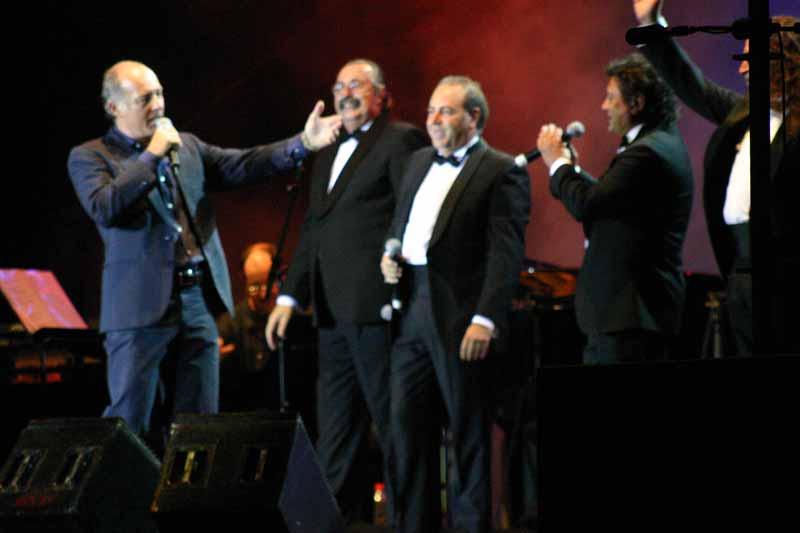 Con Cantores de Híspalis sonó la canción 'Sueño con Sevilla'.