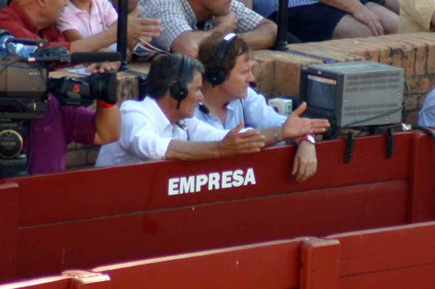 Ruiz Miguel y Enrique Romero, en plena retransmisión. (FOTO: Javier Martínez)