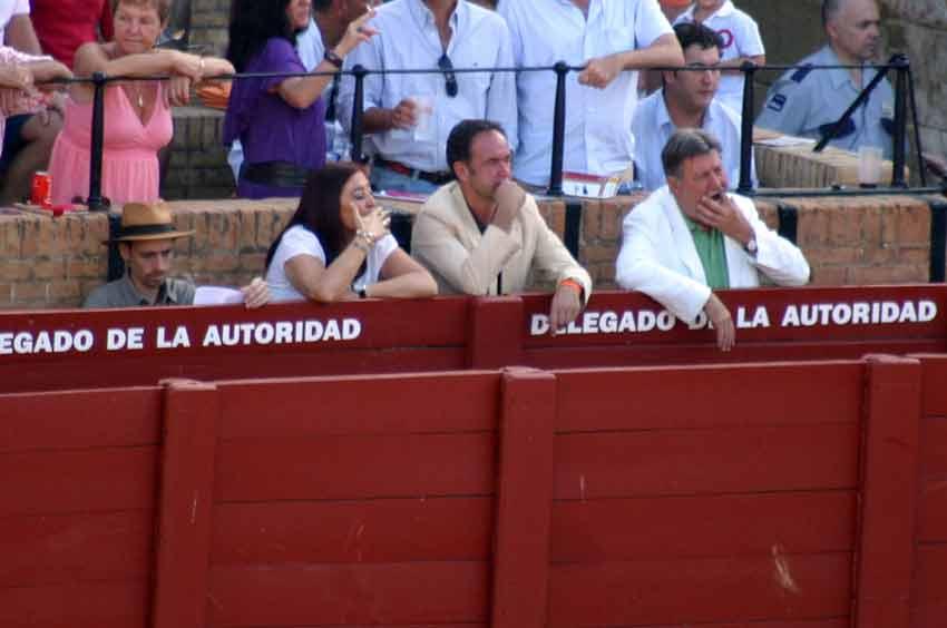 El ex presidente, el presidente novato, la presidenta y... del gorro molón. (FOTO: Javier Martínez)