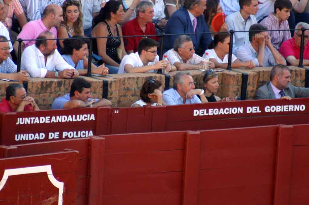 Las importantes personalidades y políticos de enorme relevancia de la Junta de Andalucía... (FOTO: Javier Martínez)