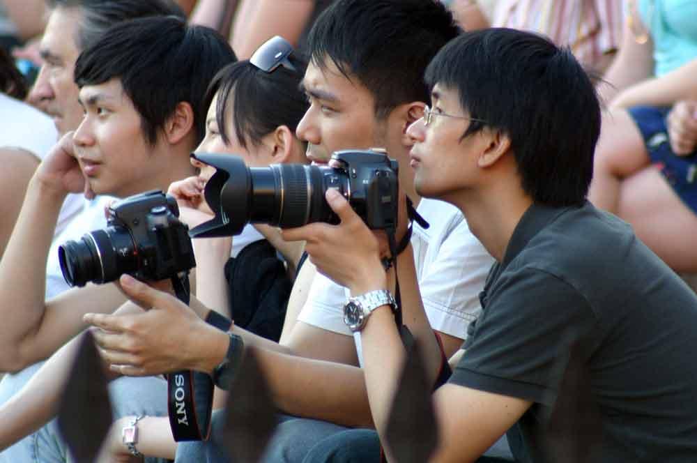 Los guiris nipones y sus eternas máquinas fotográficas. (FOTO: Javier Martínez)