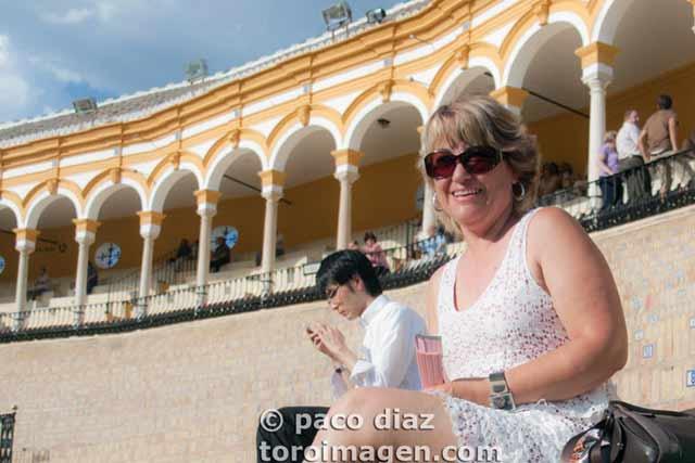 Una aficionada que esperaba ver mejores actuaciones. (FOTO: Paco Díaz/toroimagen.com)